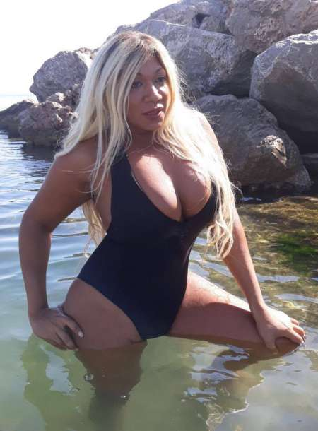lesbienne photo escort bastia